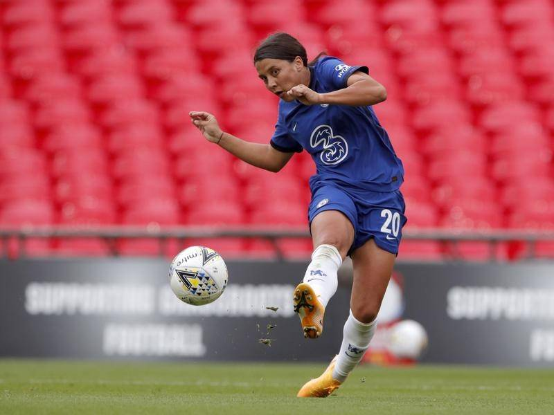 Sam Kerr scored a hat-trick but also got injured in Chelsea's 3-2 win over West Ham in the WSL.